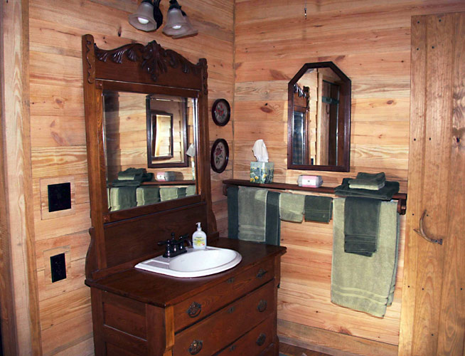 Rustic old fashioned style bathroom with modern amenities